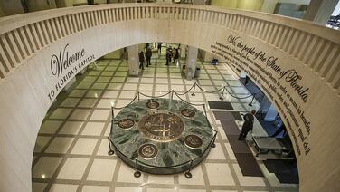 Arrestan a un hombre por una amenaza de bomba en el Capitolio de Florida