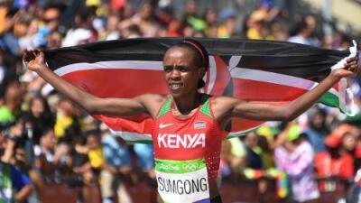 Jemina Jelagat Sumsong da a Kenia el primer oro en un maratón olímpico femenino