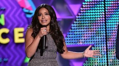 "Gina Rodriguez Covers Nicki Minaj's ""Super Bass"""