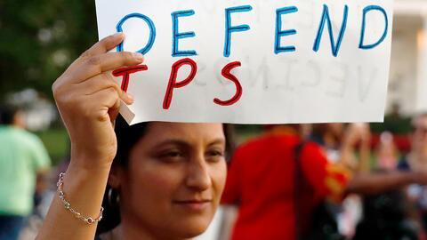 La extensión del permiso de trabajo les da un breve respiro a los inmigrantes salvadoreños