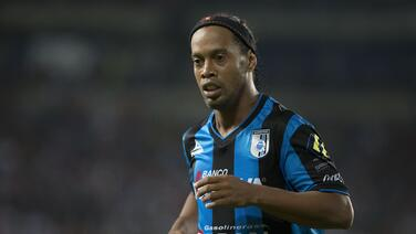 El futuro del brasileño Ronaldinho estaría entre la MLS y China