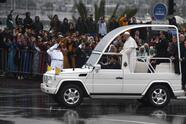 Pope Francis (C) waves from the popemobile in the Moroccan capital Rabat on March 30, 2019, as he begins his visit to the country. (Photo by FADEL SENNA / AFP) (Photo credit should read FADEL SENNA/AFP via Getty Images)