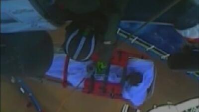 En video: Guardia Costera rescata a un hombre que se encontraba de viaje en un crucero