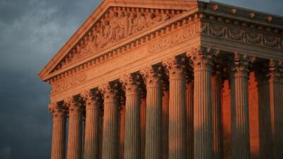 Corte Suprema rechaza esfuerzos estatales para bloquear fondos de Planned Parenthood