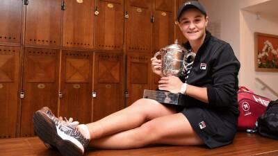 En fotos: Ash Barty y su celebración como campeona del Roland Garros
