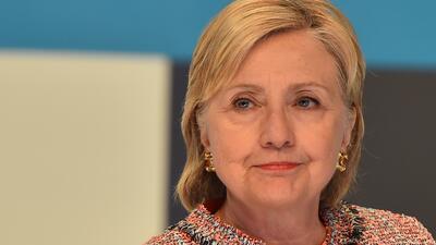 """Hillary Clinton sobre su entrevista con el FBI: """"Estaba ansiosa por hacerlo"""""""