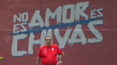 Solo falta la firma: Tomás Boy seguirá siendo el entrenador de Chivas la próxima temporada