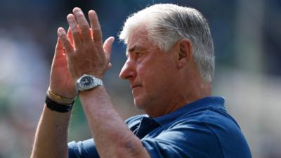 Sigi Schmid, eterno: las redes sociales rinden tributo al desaparecido entrenador