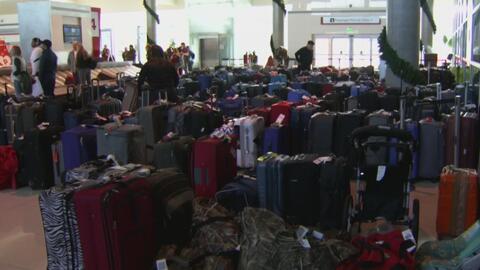 Inconveniente en el Aeropuerto Love Field de Dallas por la gran cantidad de equipaje que no ha sido reclamado