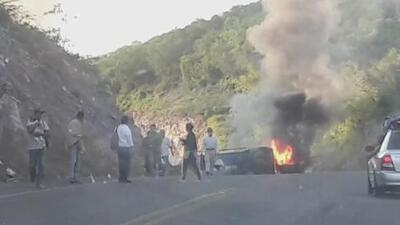 Miembros del cártel Jalisco Nueva Generación matan a seis policías en un tiroteo en México