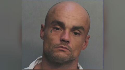 Arrestan a un hombre en el caso del cadáver hallado dentro de un auto en Homestead