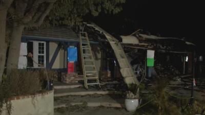 La comunidad se une a quienes perdieron sus hogares por el incendio Saddleridge en California
