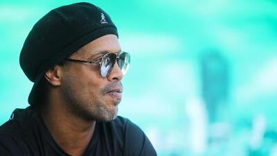 Ronaldinho, ex astro del Barcelona ¿desaparecido y en quiebra?