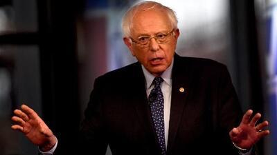 Bernie Sanders lanza una ofensiva bilingüe luego de que Joe Biden anunciara su campaña a la Casa Blanca