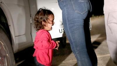EDITORIAL: Hay que poner fin a la práctica de separar niños de sus familias en la frontera