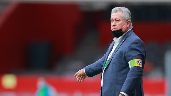 ¡Se queda! Chivas renovará a Víctor Manuel Vucetich