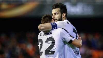 Valencia 2-1 Sevilla: El Valencia respira con un gol de Negredo en la prolongación
