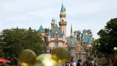 Descubren en parque de Disney en California una bacteria que enfermó a 9 personas
