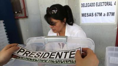 Chile vota al sucesor de Michelle Bachelet en una disputada segunda vuelta