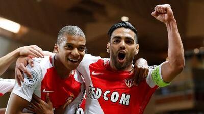 La juventud de Mbappé y la veteranía de Falcao encarnan el éxito del Mónaco, nuevo campeón en Francia