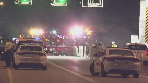 Dos oficiales del condado de Harris, que atendían un accidente, resultan heridos al ser impactados por un vehículo