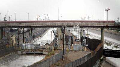 Canales de agua: una de las peligrosas rutas utilizadas por migrantes para cruzar la frontera de México a Texas