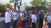 Cubanos en Miami protestan por las demoras en el proceso de reunificación de familias