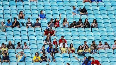 Presidente de Conmebol admitió preocupación por baja asistencia a estadios