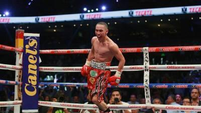 "Juan Francisco ""Gallo"" Estrada volvería al ring en julio o agosto tras operación"