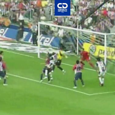 Testarazo de Calero brilla en el Top 10 de goles entre Chivas y Pachuca