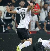 El Wolverhampton y Jiménez ganaron en Turquía