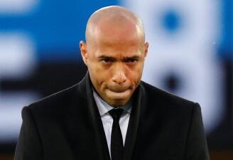 Las caras de Thierry Henry en su debut como técnico de Mónaco a nivel internacional