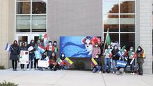 Estudiantes en Berwyn celebran el Día de los Muertos y rinden homenaje a las víctimas de covid-19