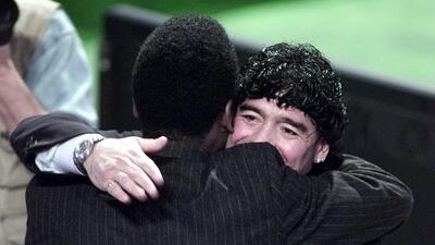 Diego Armando Maradona le desea pronta recuperación a Pelé