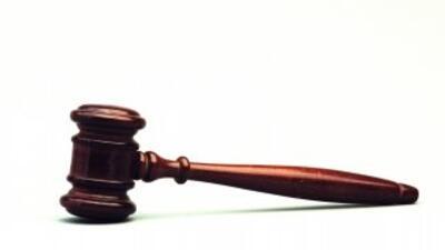 Guatemalteca reclama custodia de su hijo