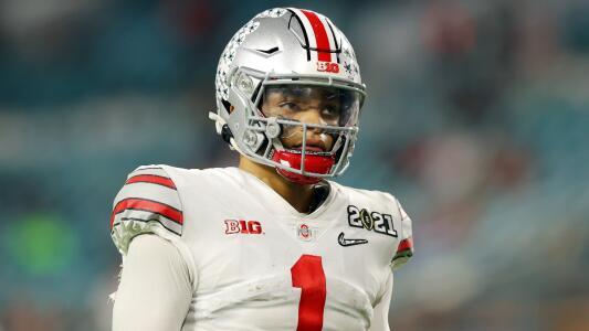 Patriots pretenden a Justin Fields con un trade en NFL Draft