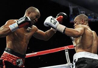 Hopkins ganó a Jones en singular pleito