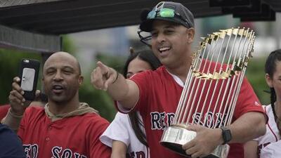 Alex Cora se mantiene como manager de los Boston Red Sox hasta 2021