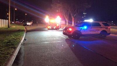 Un oficial dispara contra un presunto ladrón de automóviles al norte de Houston