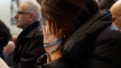 La asistencia de hispanos a iglesias católicas en EEUU se ha reducido en los últimos 20 años, según estudio