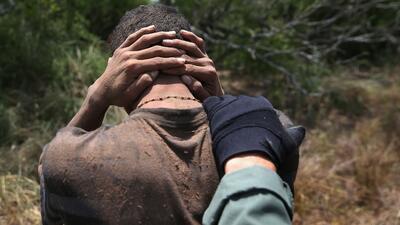 Mueren seis inmigrantes indocumentados luego de una persecución policiaca en Texas