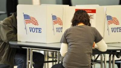 Lanzan campaña para promover la ciudadanía estadounidense y el voto latino
