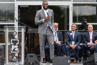 En fotos: la NBA reacciona con fuerza a tuit ofensivo de Donald Trump contra LeBron James