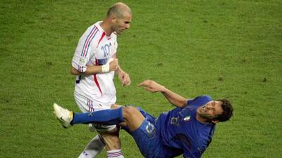 A 12 años del cabezazo de Zidane, los presentes de Italia y Francia son totalmente opuestos