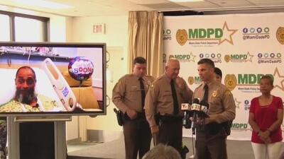 Dos oficiales y una operadora del 911 son homenajeados por sus esfuerzos para salvar la vida de un ciclista en Miami-Dade