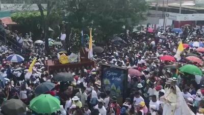 Nicaragüenses protestan y lloran a las víctimas que han dejado las masivas manifestaciones durante el último año