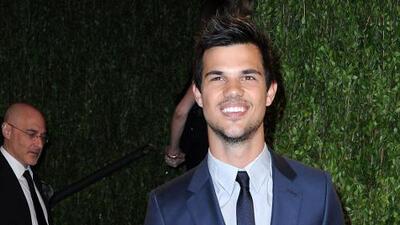 ¡Taylor Lautner terminó con Marie Avgeropoulos!