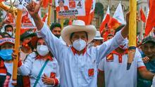 Elecciones en Perú: Pedro Castillo, maestro de izquierda, toma ventaja y se acerca a la segunda vuelta