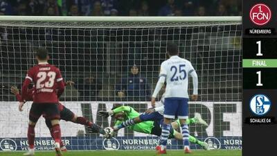 Gran actuación del portero del Schalke hunde al Nurnberg en los puestos de descenso