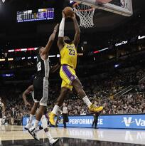 LeBron James registra doble doble en el triunfo de Lakers a Spurs